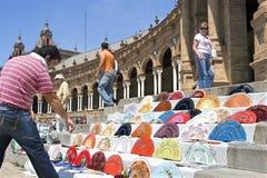 Turist- och handfansäljare, Plaza de Espana, Seville Arkivbild