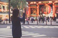 Turist på Asakusa, Japan Arkivfoto