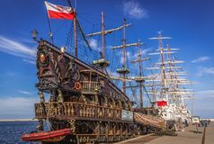 Turist- skepp i Gdynia arkivfoto