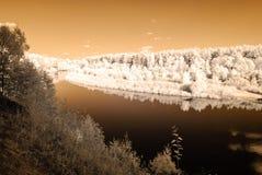 turist- slinga vid floden av Gauja i Valmiera Lettland Höst c Royaltyfri Bild