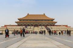 Turist som går runt om förböd Tiananmen Arkivbilder