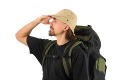 Turist som ser in i avståndet royaltyfri fotografi