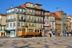 Turist- spårvagn i Porto royaltyfri bild