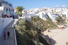 Turist- stad Albufeira i Portugal Arkivfoton