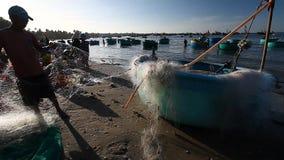 Turist Vietnam Fiskeläge i Mui Ne lager videofilmer