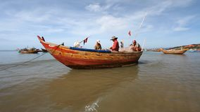Turist Vietnam fiskerier stock video