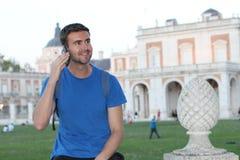 Turista che chiama dal telefono con lo spazio della copia Fotografia Stock Libera da Diritti