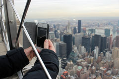 Turista che prende un'immagine a New York City Fotografia Stock