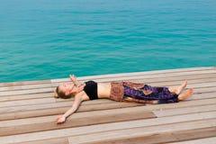 Turista che si rilassa su Koh Kood Immagini Stock