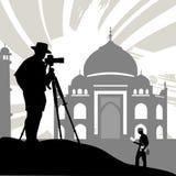 Turista con il tempiale storico illustrazione vettoriale