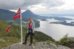 Turista da caminhada de Noruega Imagens de Stock Royalty Free