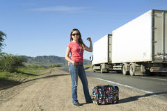 Turista de la mujer joven en la pista Imagen de archivo