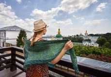 Turista em Kiev Pechersk Lavra fotografia de stock royalty free