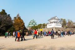 Turista en el castillo de Nagoya Fotos de archivo