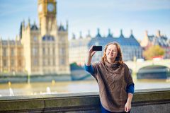 Turista en Londres que hace el selfie Fotografía de archivo