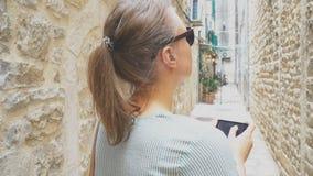 Turista fêmea vídeos de arquivo