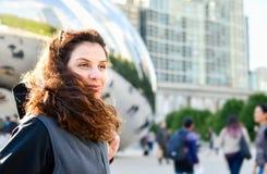 Turista feliz en Chicago, Illinois Imágenes de archivo libres de regalías