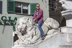 Turista a Genova fotografie stock libere da diritti