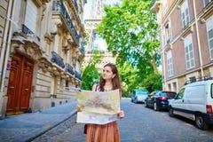 Turista hermoso en París Foto de archivo libre de regalías