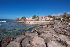 Turista in linea costiera di Las Americhe il 23 febbraio 2016 a Adeje, Tenerife, Spagna Fotografia Stock Libera da Diritti