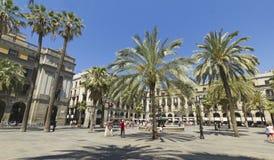 Turista na plaza real em Barcelona, Espanha Fotos de Stock Royalty Free