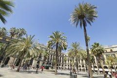 Turista na plaza real em Barcelona, Espanha Fotos de Stock