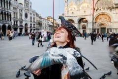 Turista no quadrado de St Mark do fundo, Veneza, Itália Foto de Stock