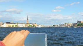 turista que toma a imagem na excursão sightseeing, Éstocolmo, sweden filme