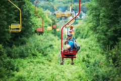 Turista que va en el teleférico funicular Imágenes de archivo libres de regalías