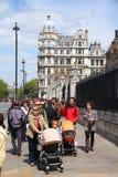 Turistas de Londres Imagen de archivo libre de regalías