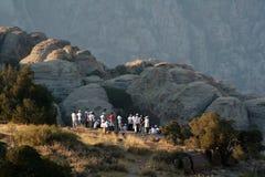 Turistas em montanhas de Dana Fotos de Stock Royalty Free