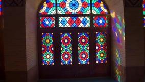 Turistas em Nasir Al-Mulk Mosque pelo filme