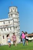 Turistas em Pisa fotografia de stock
