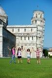 Turistas em Pisa foto de stock royalty free