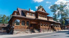 Turistas em uma rua popular de Krupowki em Zakopane Imagens de Stock Royalty Free