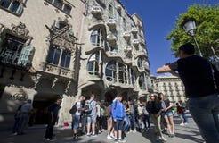 Turistas en Barcelona Foto de archivo libre de regalías