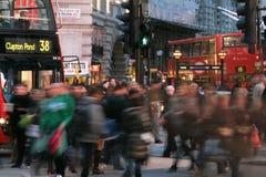 Turistas en el circo de Piccadilly, 2010 Foto de archivo