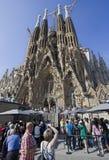Turistas en la catedral de Barcelona Foto de archivo