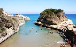 Turistas en la playa del d'Amour del canal fotos de archivo libres de regalías