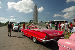 Turistas en la plaza de la Revolucion Havana Cuba Fotos de archivo