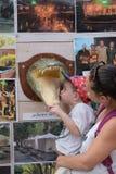 Turistas en las aguas termales de Hamat Gader Imagenes de archivo