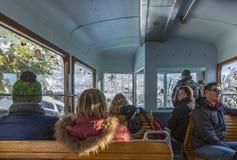 Turistas en montañas fotos de archivo libres de regalías
