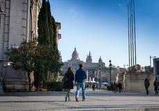 Turistas en Museu Nacional D'Art de Catalunya adentro Imágenes de archivo libres de regalías