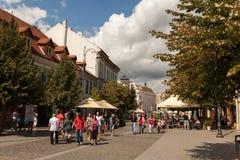 Turistas en Sibiu Foto de archivo libre de regalías