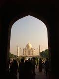 Turistas en Taj Mahal - Agra fotos de archivo libres de regalías