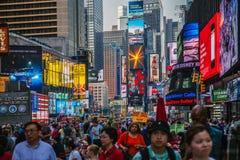 Turistas en Times Square Imagen de archivo