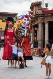 Turistas que son fotografiados Imagen de archivo libre de regalías