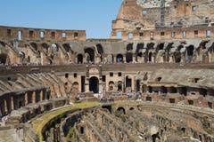 Turistas que visitam Colosseum ou coliseu em Roma Itália Foto de Stock Royalty Free