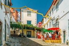 Turistas que visitam Major Attractions Downtown Lisboa City fotos de stock royalty free