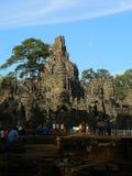 Turistas que visitan los templos Imagen de archivo